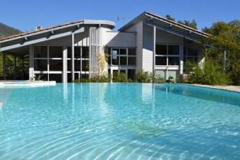 realisation villa contemporaine avec toiture tuile